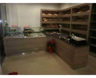 Αρτοποιείο σε μοντέρνες ίσιες γραμμές
