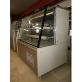 Εξοπλισμός πρατηρίου άρτου 2 με ψυχόμενη, θερμαινόμενη βιτρίνα και ταμείο παραδωτήριο