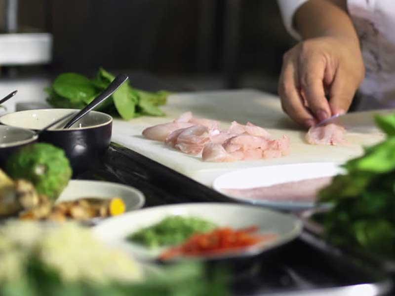 προετοιμασια φαγητου εστιατοριο